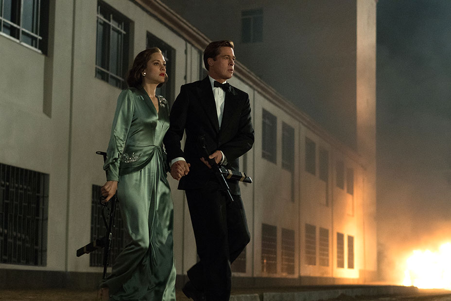 Marion Cotillard plays Marianne Beausejour and Brad Pitt plays Max Vatan in Allied. Photo credit: Paramount Pictures.